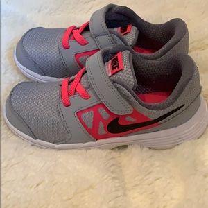 Nike Dowhshifter 6 kids sneakers size 10c like new